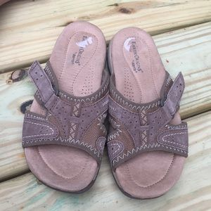 Earth Origins Beige Leather Sporty Sandals Size 6M